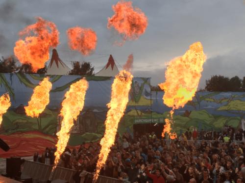 festival-utopia-island-flames
