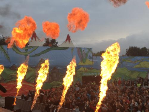festival-utopia-island-flammen