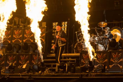 stagemaniac-woa-runingwild-flames