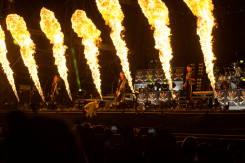 stagemaniac-woa-runingwild-flammen-front